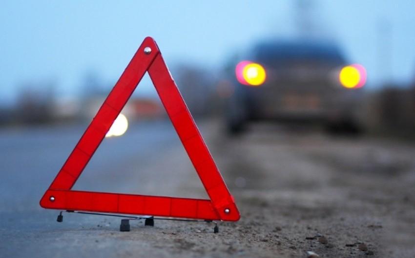 Tbilisi-Rustavi-Qırmız körpü avtomobil yolunda qəza olub, iki nəfər yaralanıb