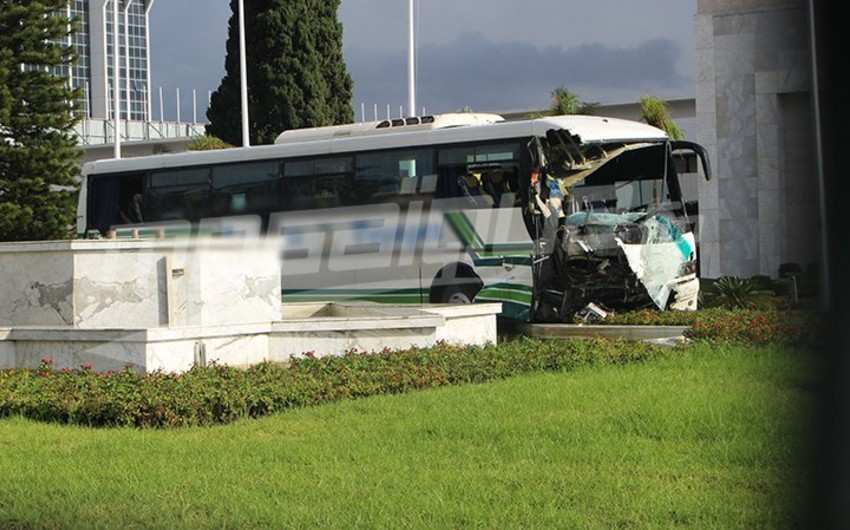 Tunisdə sərnişin avtobusları toqquşub, 50-yə yaxın insan xəsarət alıb