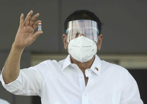 Coronavirus vaccination begins in Philippines