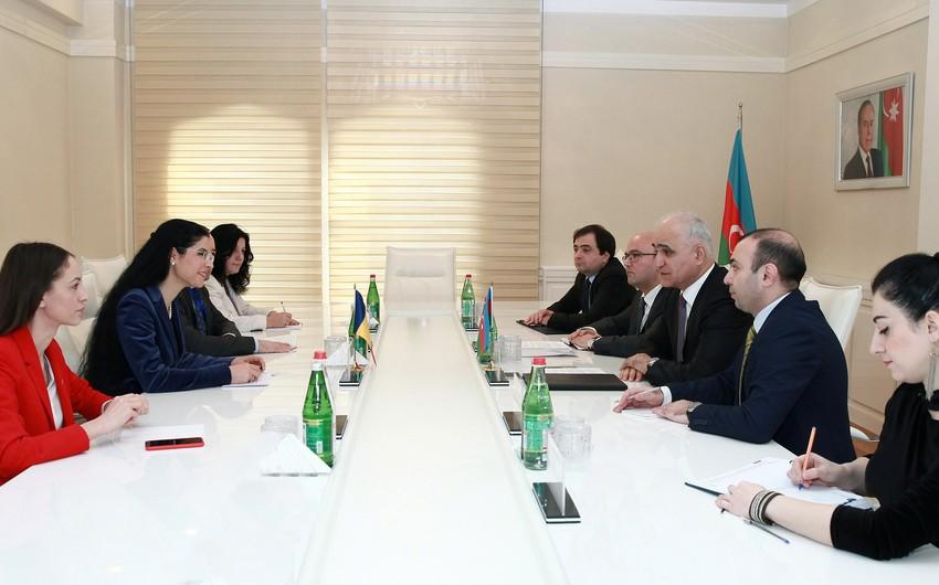 Azərbaycan-Rumıniya iqtisadi əlaqələrinin genişləndirilməsinə dair müzakirələr aparılıb