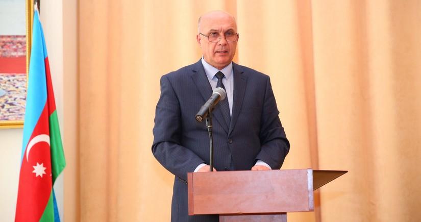 В Баку от коронавируса умер глава муниципалитета