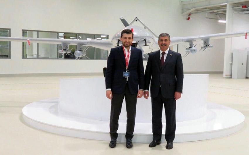 Azerbaijan Defense Minister visits Turkish company Baykar Makina