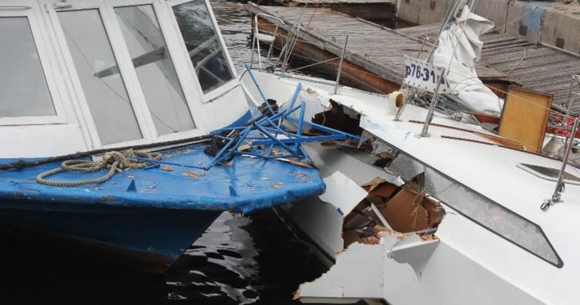 На востоке Китая столкнулись два судна, есть погибший и раненые