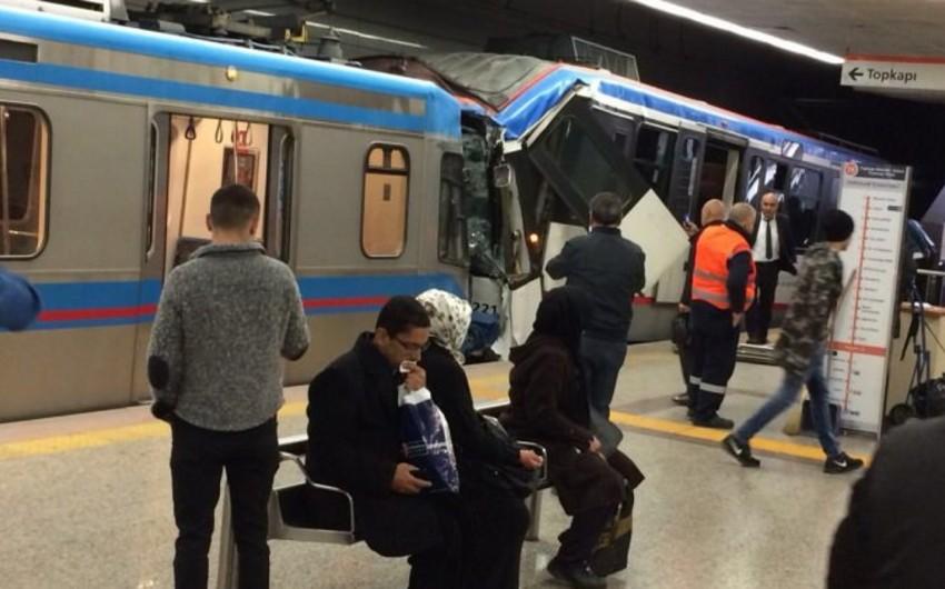 İstanbulda tramvay qəzası olub, yaralılar var - VİDEO
