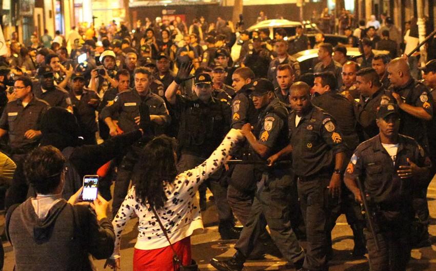 Braziliyada polislərin etiraz aksiyası keçirməsi səbəbindən 12 nəfər öldürülüb