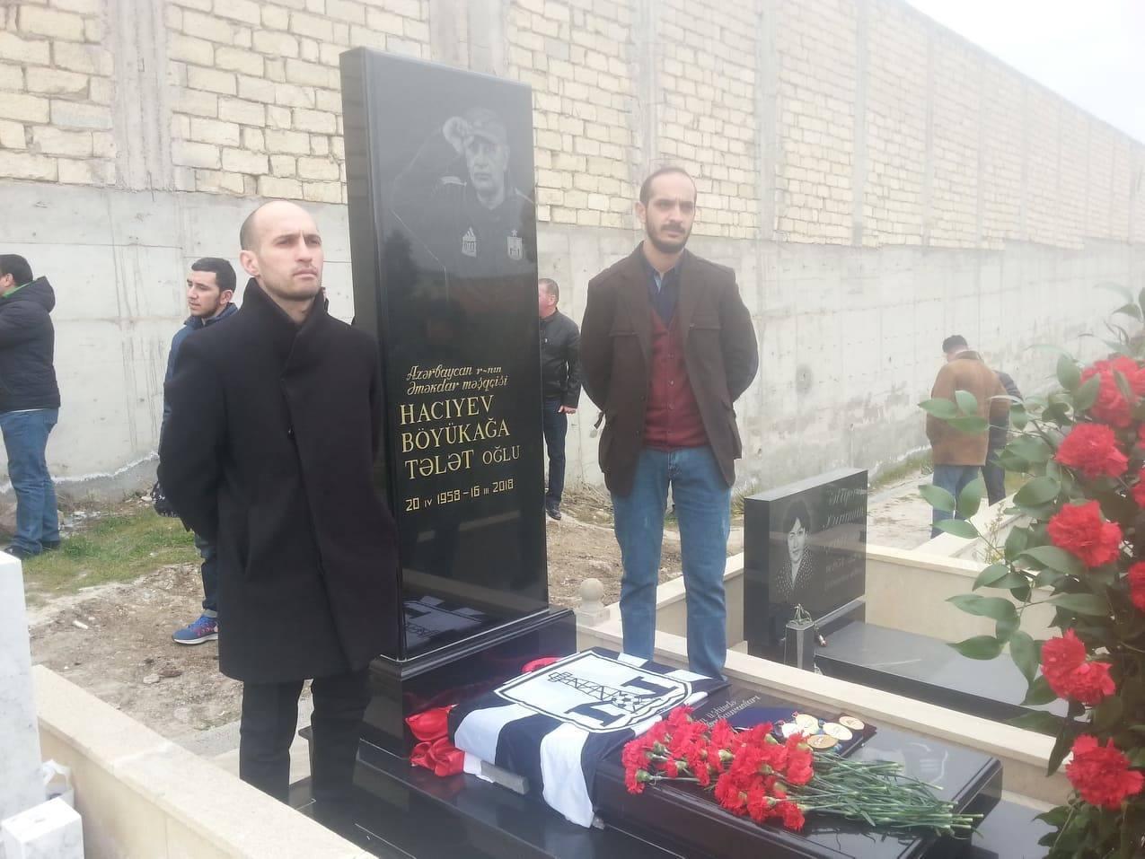 Futbol ictimaiyyəti Böyükağa Hacıyevin məzarını ziyarət edib