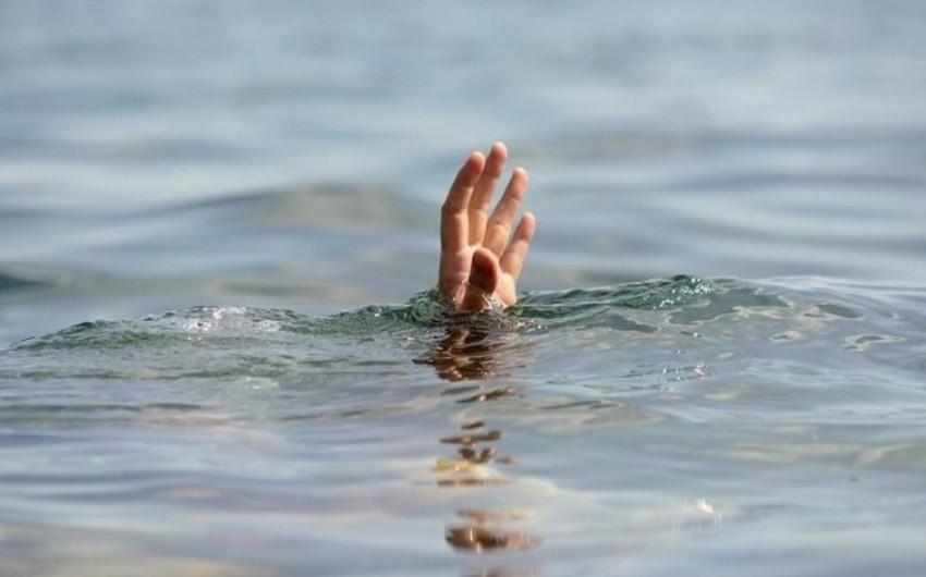 Gənc azərbaycanlı Omsk vilayətində su hövzəsində boğulub
