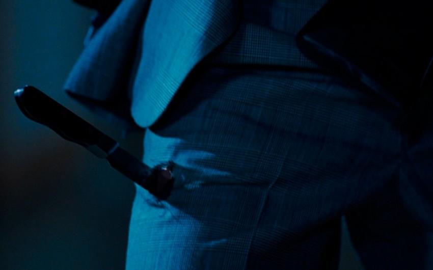 Bakıda 24 yaşlı gənc özünü bıçaqladı
