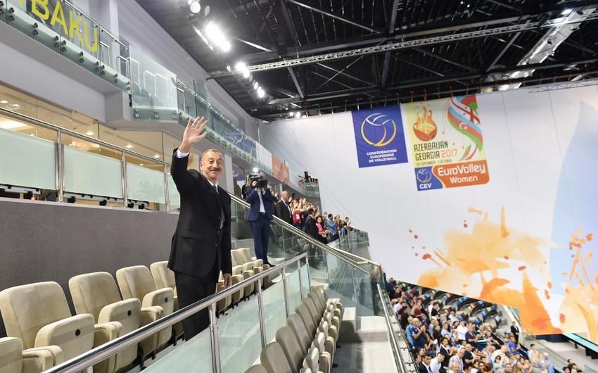 Президент Ильхам Алиев и первая леди Мехрибан Алиева посмотрели игру национальной команды Азербайджана