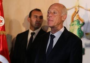 Tunis prezidenti baş naziri işdən çıxarıb parlamenti buraxdı