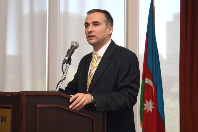 Посол Азербайджана в Чехии вручил верительные грамоты президенту этой страны