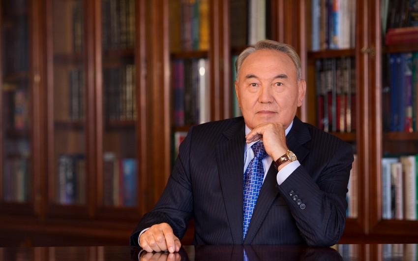 Qazaxıstan prezidenti: Zəif banklar birləşməlidir