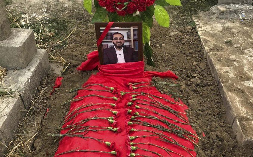Koronavirusdan vəfat edən jurnalist dəfn olunub