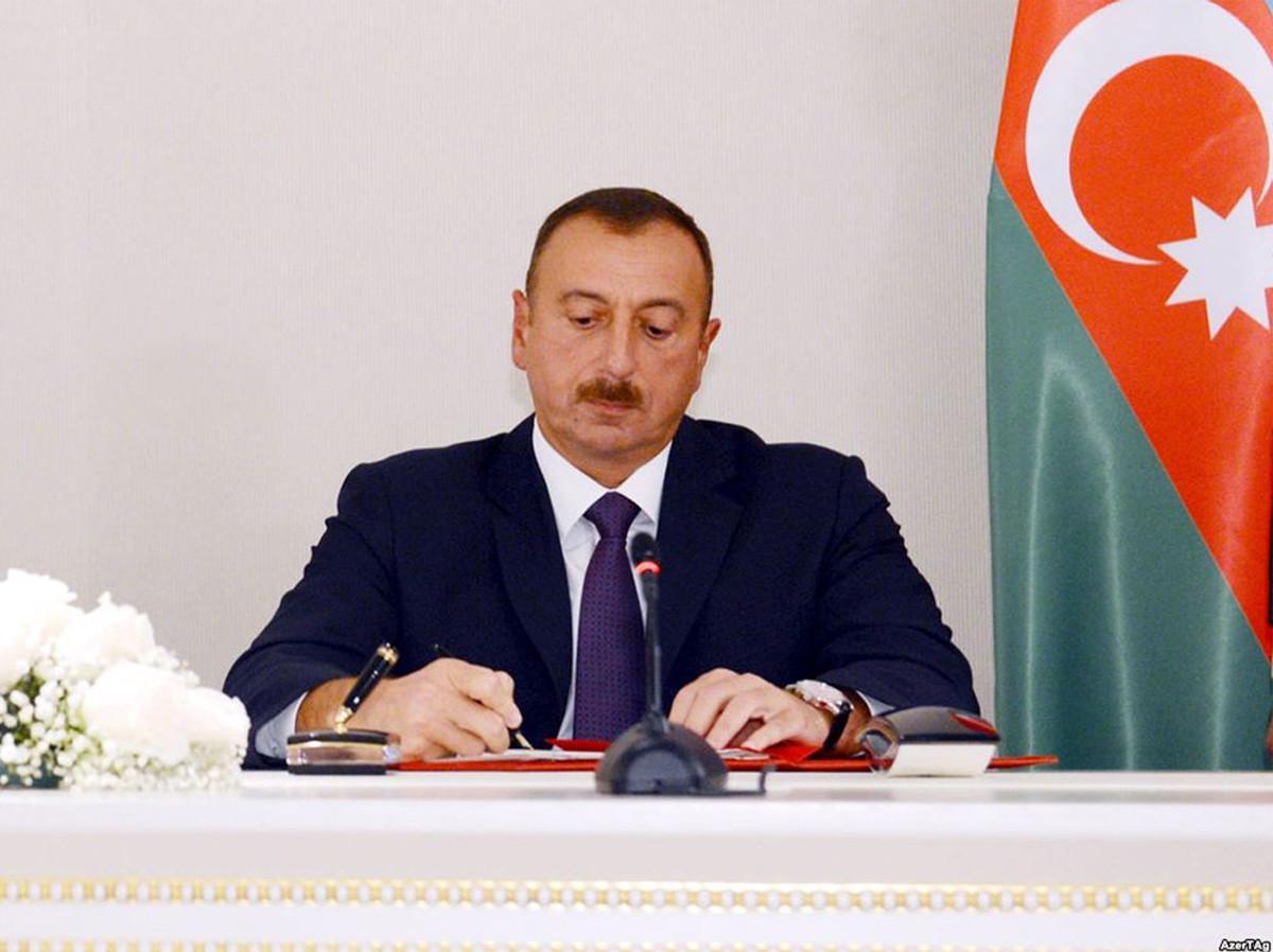 Prezident İlham Əliyev bir qrup mədəniyyət xadimini təltif edib - SİYAHI
