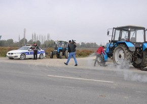 Ucar sakini traktorla yolun kənarı ilə gedən həmkəndlisini vuraraq öldürüb