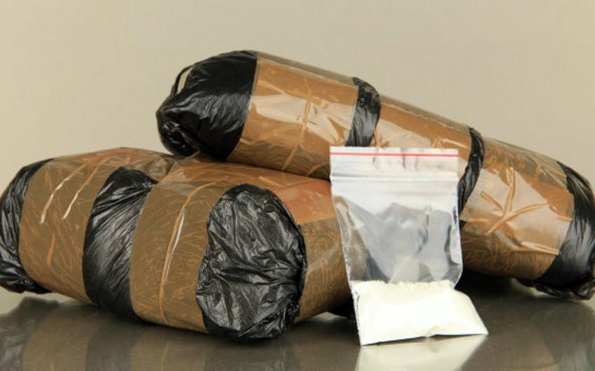 Türkiyə vətəndaşları Britaniya ərazisində külli miqdarda narkotik vasitə ilə saxlanılıblar