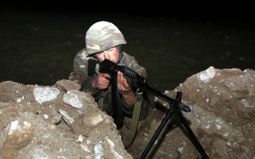 Azerbaijani servicemen hold combat firing stage of large-scale military exercises at night - VIDEO