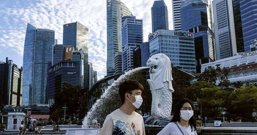 Singapore to start mass production of COVID-19 breathalyzers