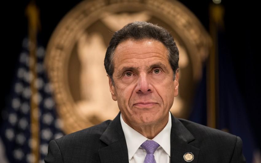 Nyu-Yorkun qubernatoru vəzifəsindən gedir