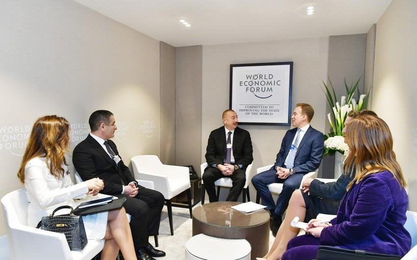 İlham Əliyev Davosda Dünya İqtisadi Forumunun prezidenti ilə görüşüb