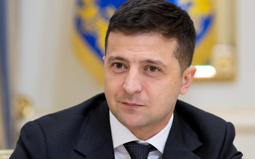 Ukrayna prezidenti orduda ciddi kadr dəyişikliyi edib