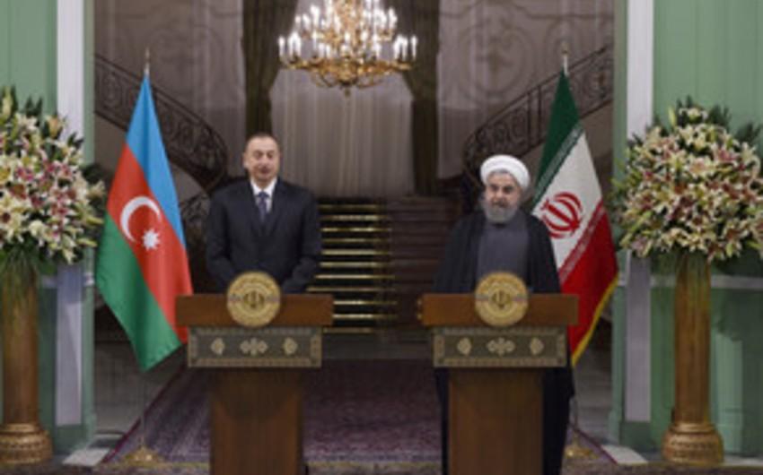 Həsən Ruhani: Azərbaycan-İran-Rusiya üçtərəfli formatı çərçivəsində önəmli addımlar atılıb