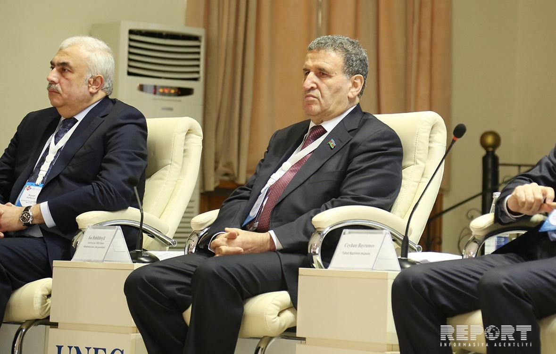 Komitə sədri: Ali məktəblərdə magistratura üzrə dərsliklərin hazırlanmasına az diqqət edilir