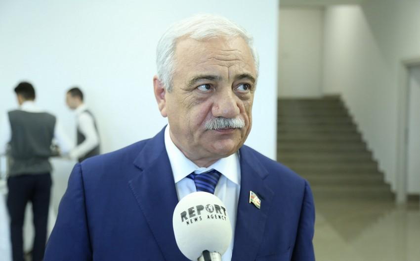 """Səttar Mehbalıyev: """"Deputatlar, Nazirlər Kabinetinin işçiləri 4-5 """"putyovka"""" istəyirlər..."""""""