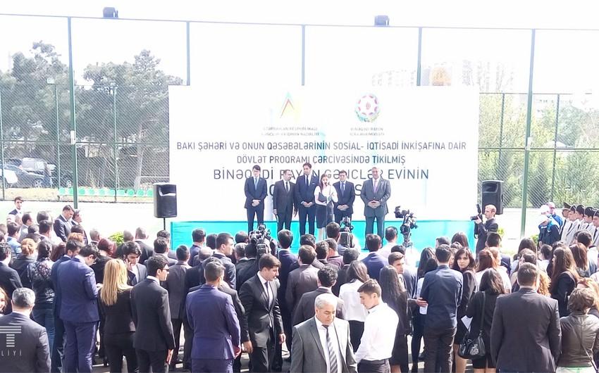 Binəqədi rayonunda yeni Gənclər evi açılıb