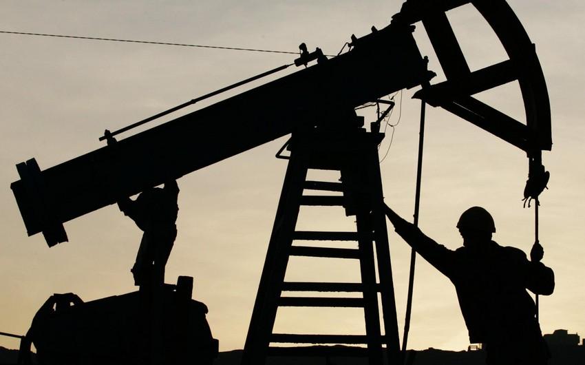 Rusiya gündəlik neft hasilatını 158 min barel azaldıb