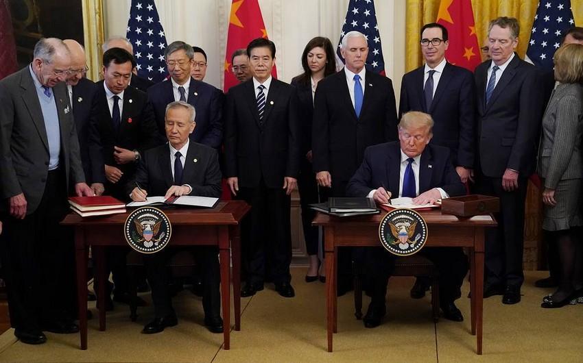 ABŞ və Çin ticarət sazişinin birinci mərhələsi ilə bağlı razılaşmanı imzalayıb - FOTO