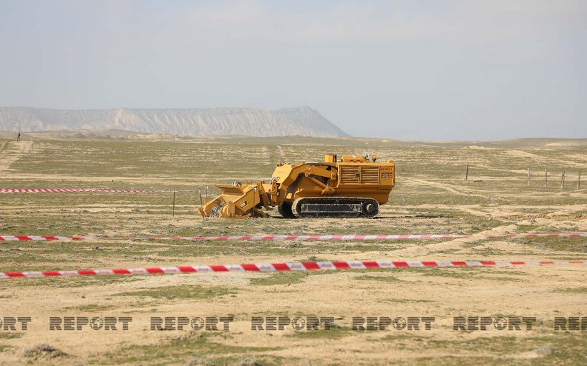 Azerbaijan explains advantages of demining equipment from Turkey