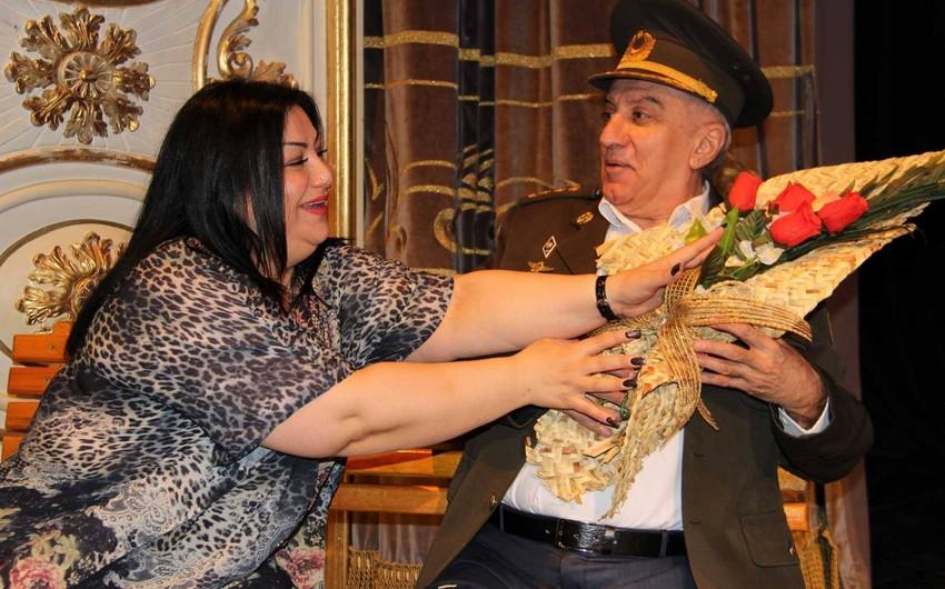 """Aprelin 29-da Musiqili Teatrda """"Amerikalı kürəkən""""in premyerası olacaq"""