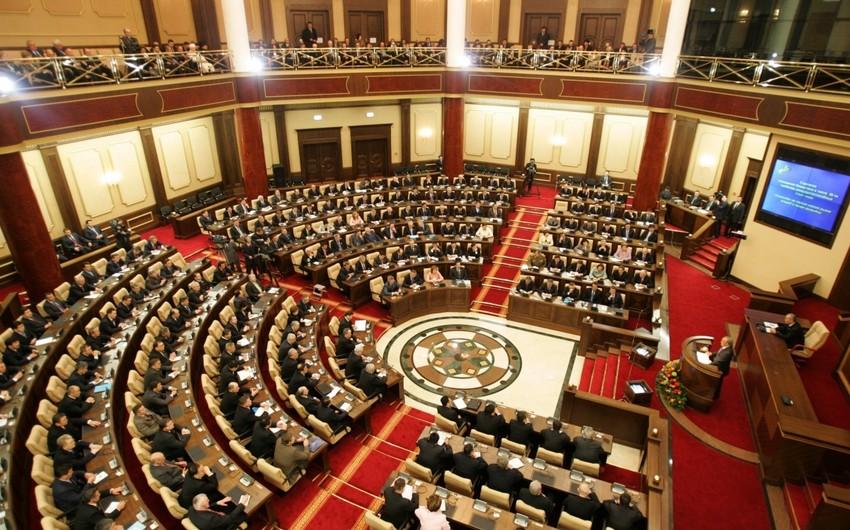Qazaxıstan parlamentinin rəsmisi: Valideynlərim tez-tez bizə tarixi vətənimiz Azərbaycan haqqında danışardı - MÜSAHİBƏ