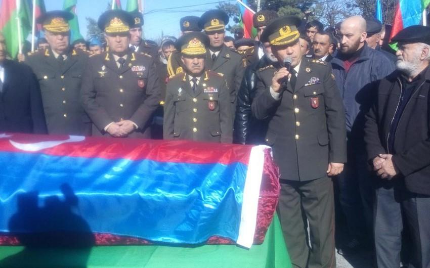 Шехида Чингиза Гурбанова похоронили в Аллее шехидов в Гусарах - ФОТО