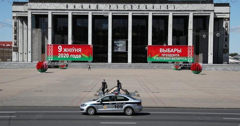 Belarusun MSK sədri Hökumət evindən təxliyə edilib