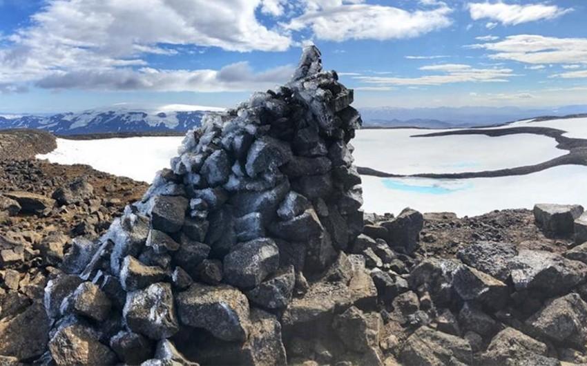 İslandiyada ərimiş buzlağa xatirə lövhəsi açılacaq - FOTO