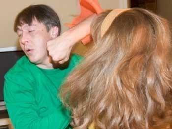 В отеле Hyatt Regency женщина избила своего мужа
