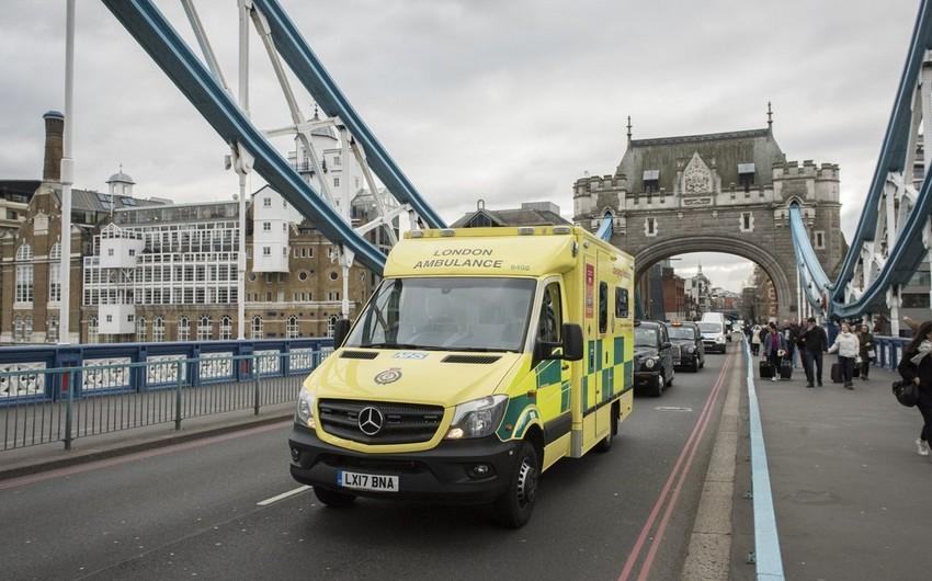 Londonda avtobus dayanacağa girib, 20 nəfər yaralanıb