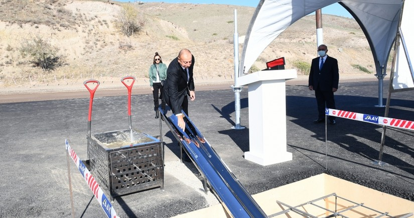 Azerbaijani president lays foundation of Khanlig-Gubadli road