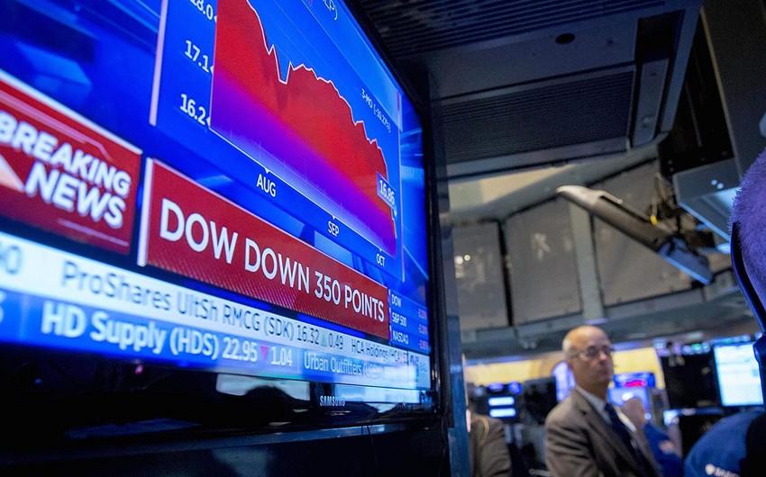 Dow Jones indeksi 300 bəddən çox düşüb
