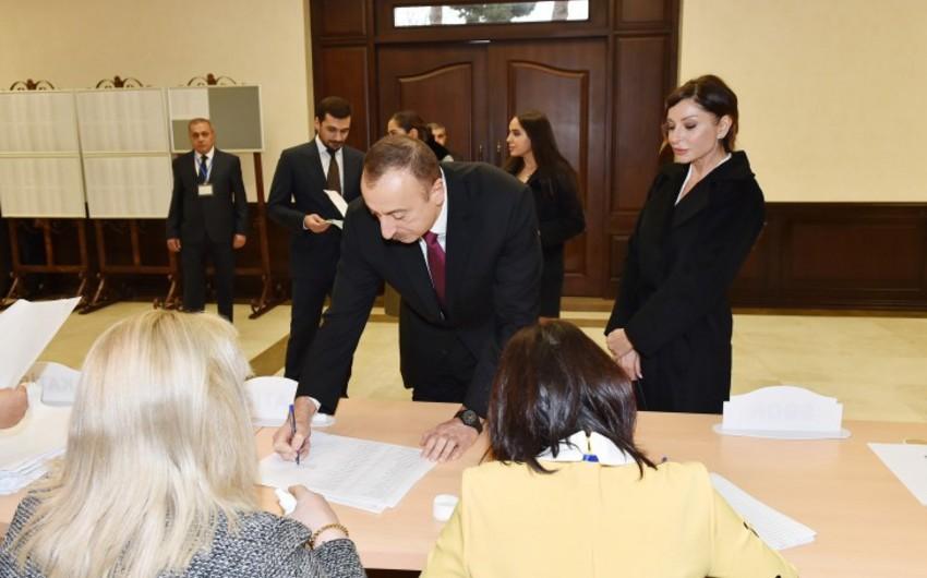 Президент Азербайджана Ильхам Алиев проголосовал на избирательном участке №6