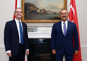 Türkiyə və Britaniya XİN başçıları arasında telefon danışığı olub