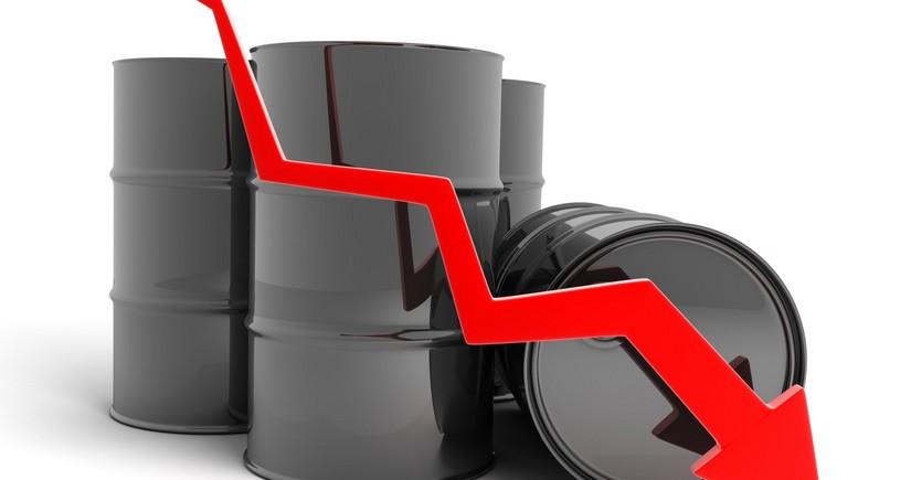 Азербайджанская нефть подешевела более чем на 2%