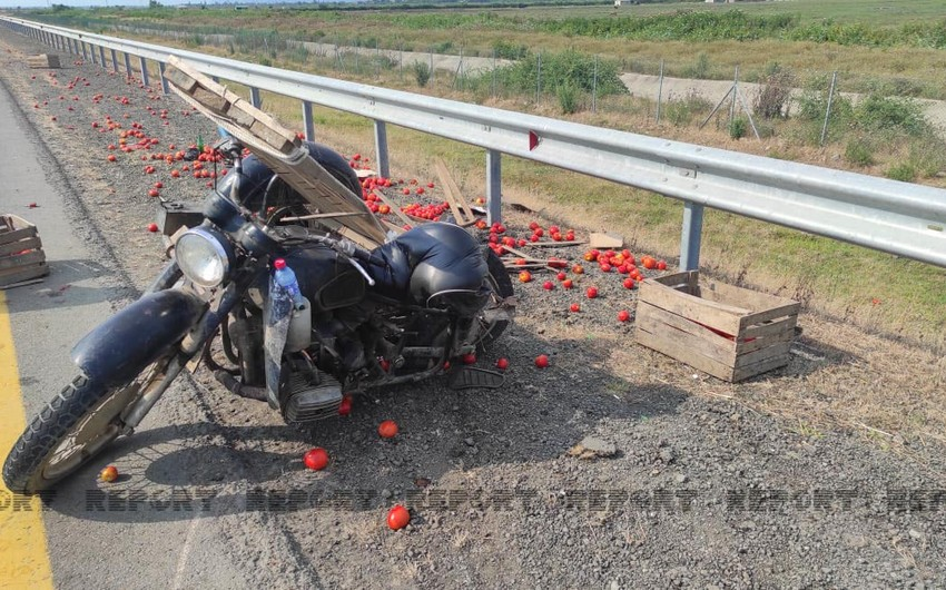 Lənkəranda yük avtomobili motosikletlə toqquşub, ölən var - YENİLƏNİB