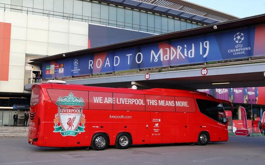 Автобус Ливерпуля застрял в тоннеле на стадионе, где состоится финал Лиги чемпионов