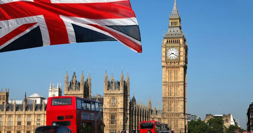 Böyük Britaniyada üç əsrin ən böyük iqtisadi tənəzzülü yaşanır