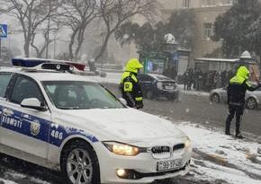 Yol polisi sürücülərəmüraciət edib