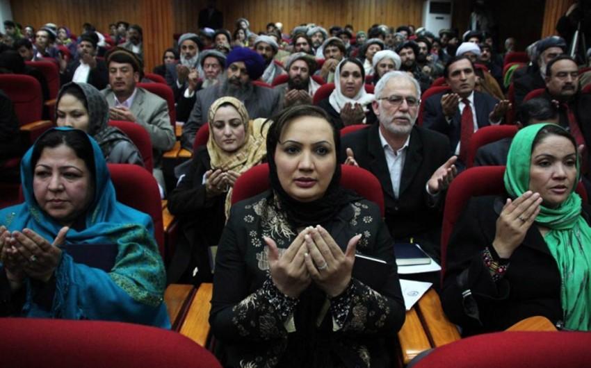 Əfqanıstan parlamentində qadın deputatlar arasında dava düşüb