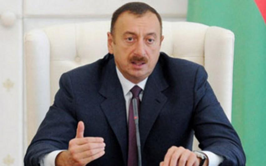 Azərbaycan prezidenti Macarıstanın xarici işlər və ticarət nazirini qəbul edib